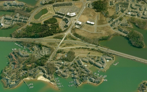 Interstate 77 across Lake Norman in Davidson. Image: Bing Maps