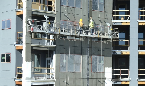 Construction on a new, luxury apartment building in Dilworth. Photo: Nancy Pierce.