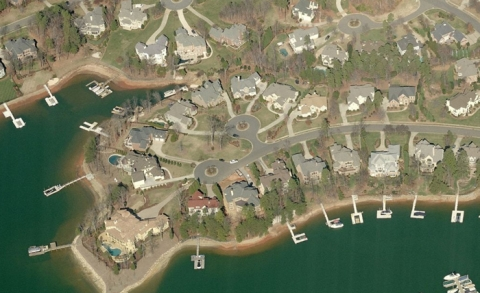 Large homes along Lake Norman in Mecklenburg County town of Cornelius. Image: Bing Maps