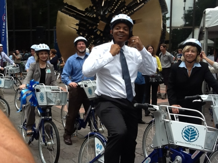 Then-Mayor Anthony Foxx at the launch of Charlotte's bike share program in 2012. Photo: Mary Newsom